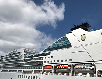 Seabourn Ovation Cruise Ship